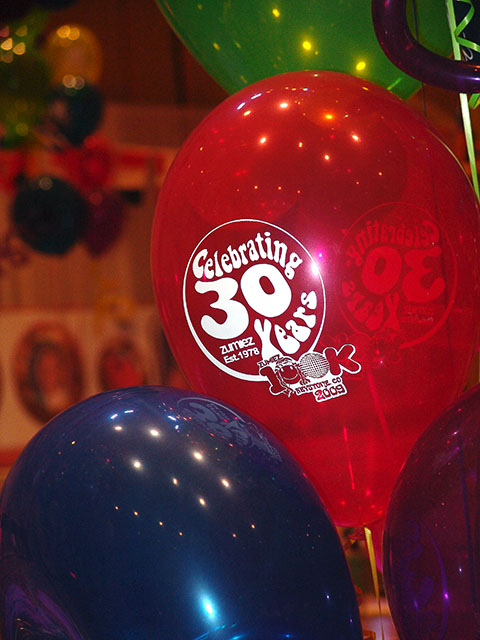 zumiez-printed-balloons