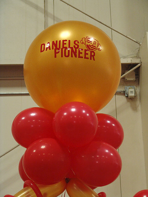 custom du balloon arch denver