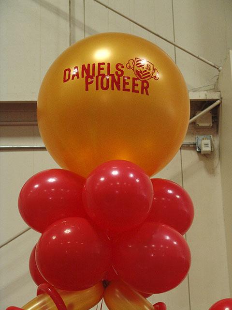 custom du balloon arch denver